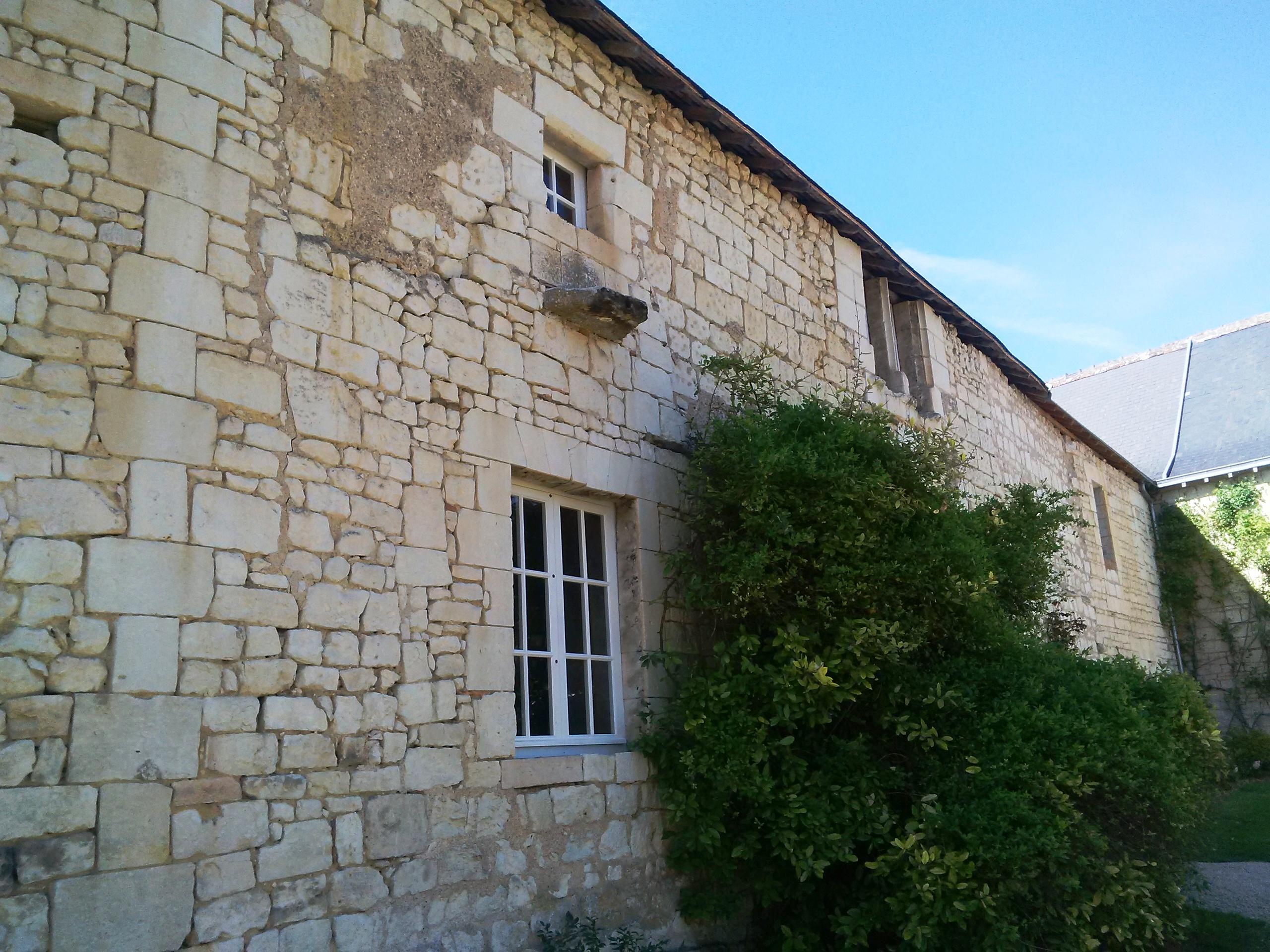 rénovation chateau, pose fenêtres, sur mesure