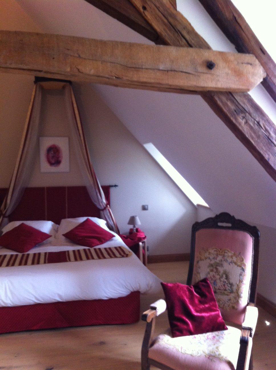 rénovation château 18ème siècle, fenêtres, parquets, isolation, huisseries, mezzanine, escalier sur mesure, charpente