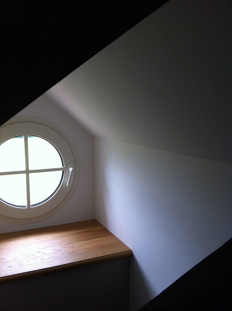 rénovation château 18ème siècle, fenêtres, parquets, isolation, huisseries, mezzanine, escalier sur mesure, chien assis, placo